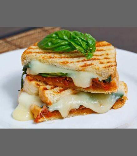 طرز تهیه ی ساندویچ مثلثی