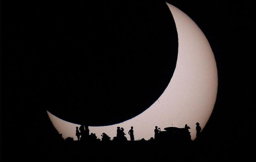 تصویر نجومی روز ناسا (۱۲ اردیبهشت ۹۵): اندیشیدن به خورشید