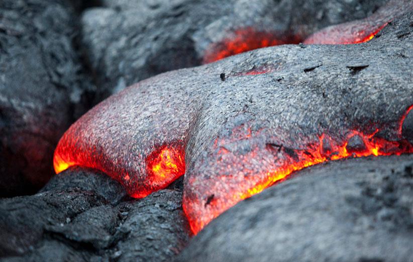 آتشفشانهای ماه چگونه فوران میکنند