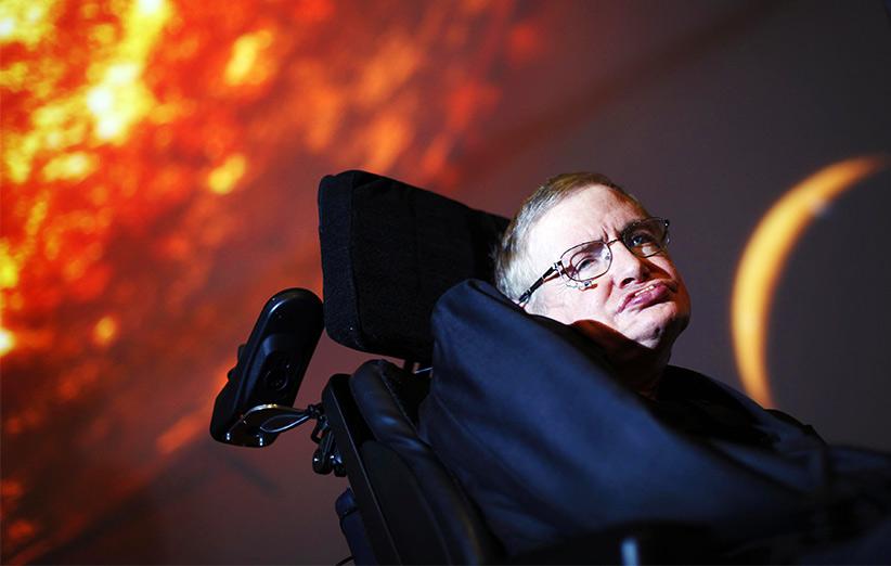 استیون هاوکینگ: معمای بزرگ سیاهچالهها را حل کردم