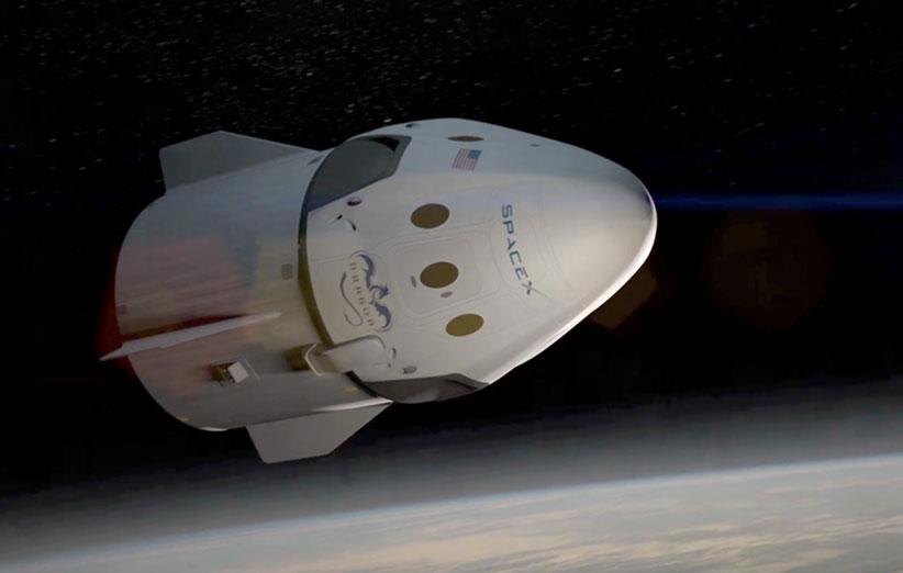 اسپیسایکس، نخستین تصاویر از فضای داخلی سفینهی سرنشیندار خود را منتشر کرد