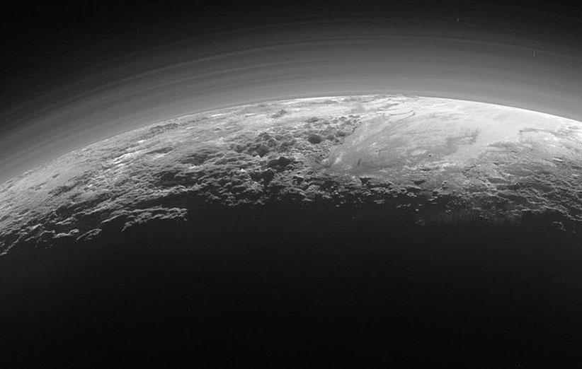 تصاویر جدید، اتمسفر رقیق پلوتو را نشان میدهند