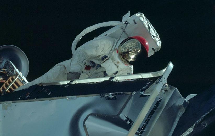 ۹۲۰۰ عکس از ماموریتهای آپولو روی فلیکر منتشر شد