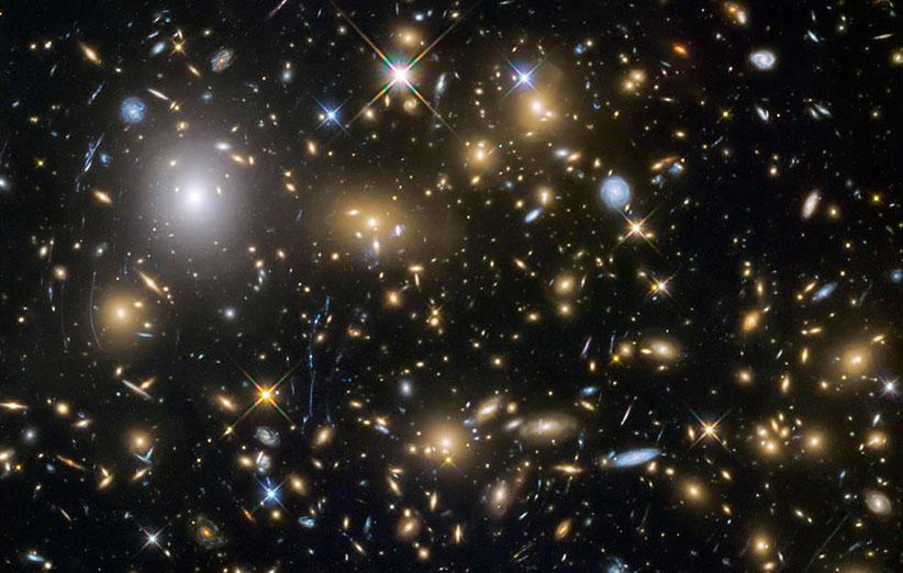 تلسکوپ هابل ۲۵۰ کهکشان کوتولهی باستانی کشف کرد