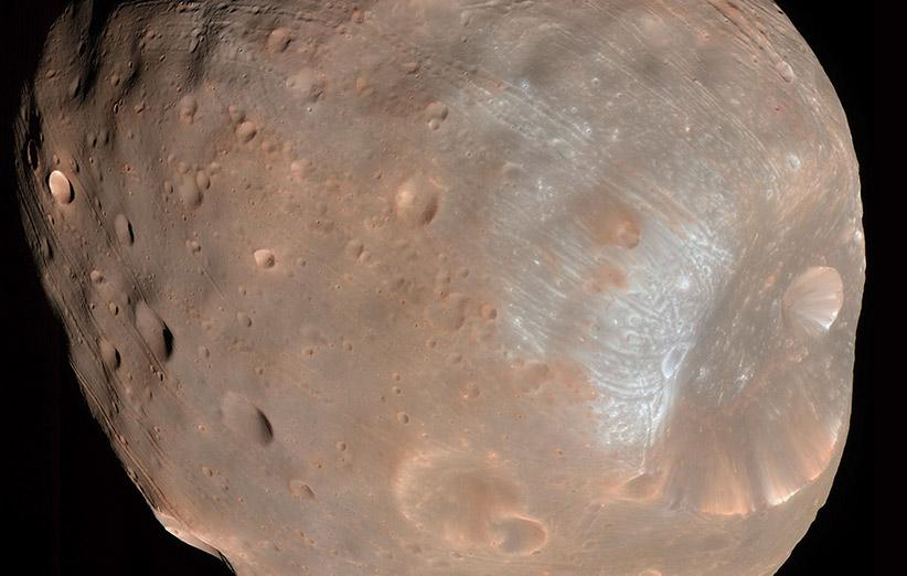 تصویر نجومی روز ناسا (۱ آذر ۹۴): فوبس، قمر نفرینشدهی مریخ