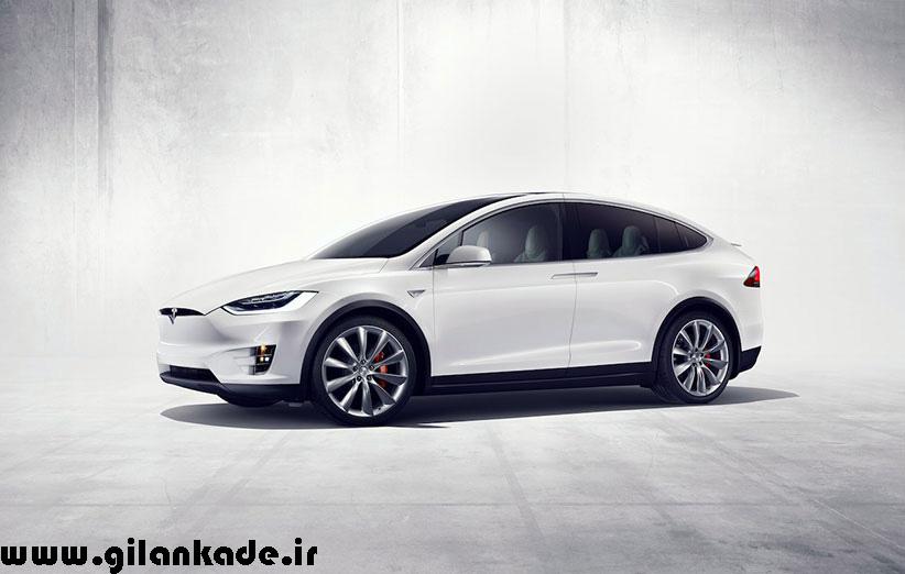 مدیر تسلا میگوید در ۲۰۱۸ خودروهایش کل کشور را بدون راننده، میرانند